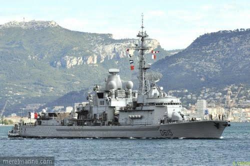 La fregate antiaerienne Jean Bart avec son radar SMART S
