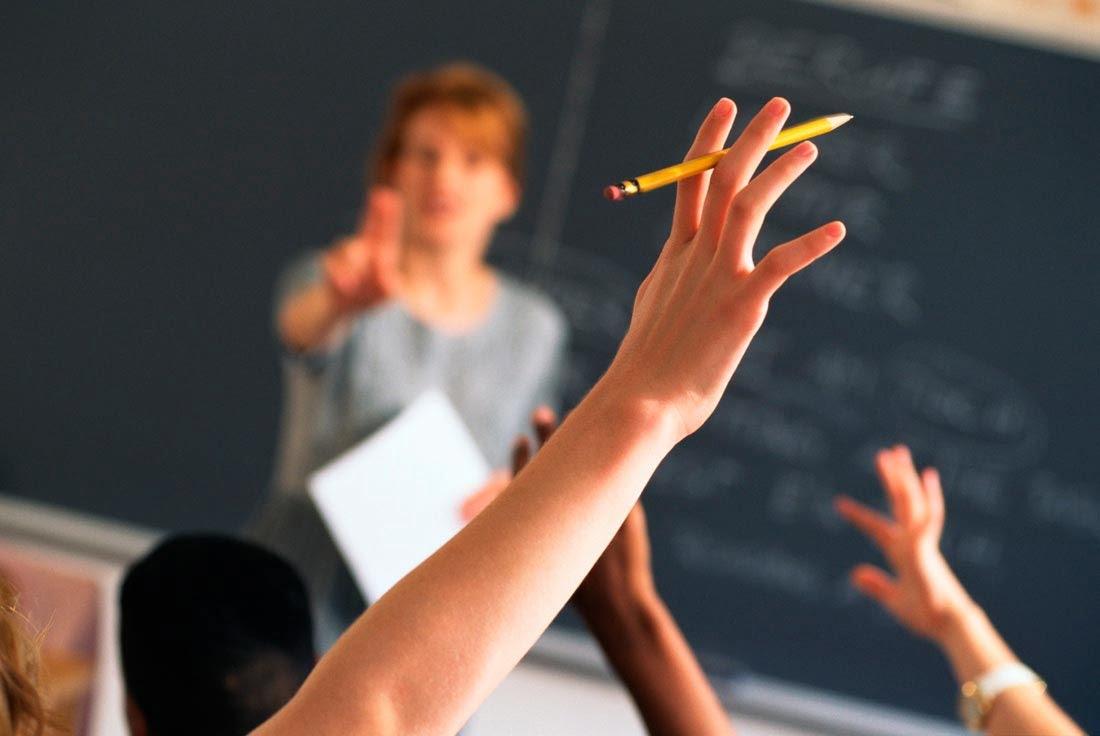 29 educatie profesor elev mana ridicata w1100 h736 q100