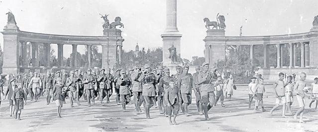 4 August 1919. Românii au pus opinca pe Parlamentul de la Budapesta. Cum a  fost ocupată Ungaria de Armata Română - TOMIS NEWS