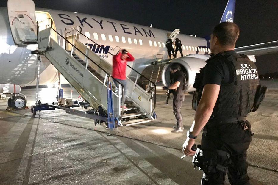 avion aeroport siguranta nationala