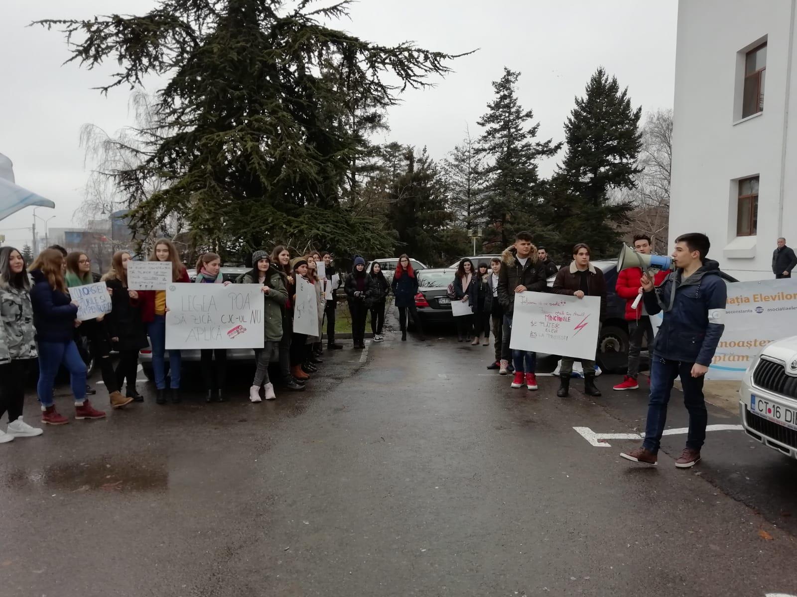 protest aec