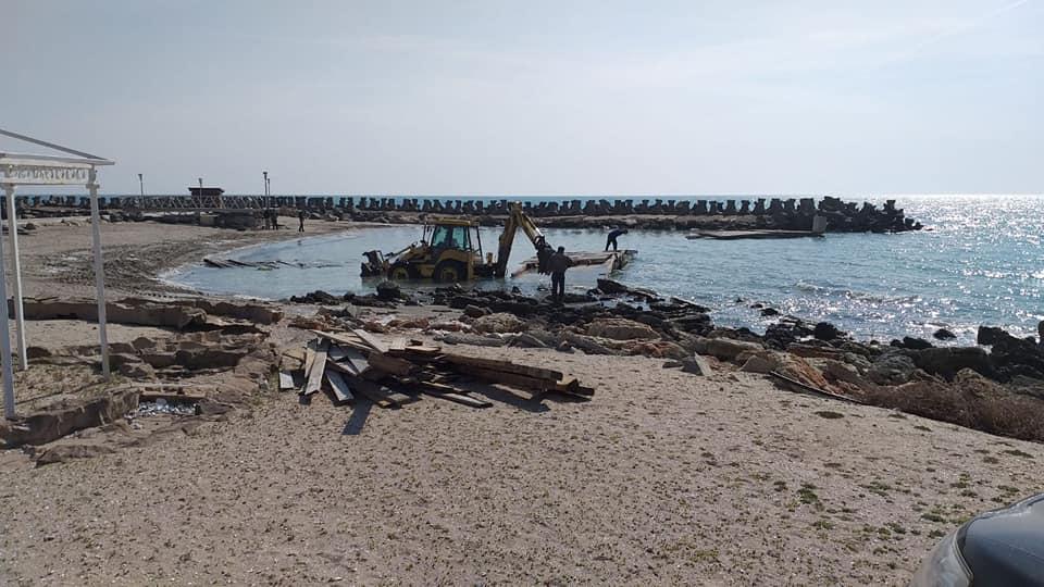poluare plaja1