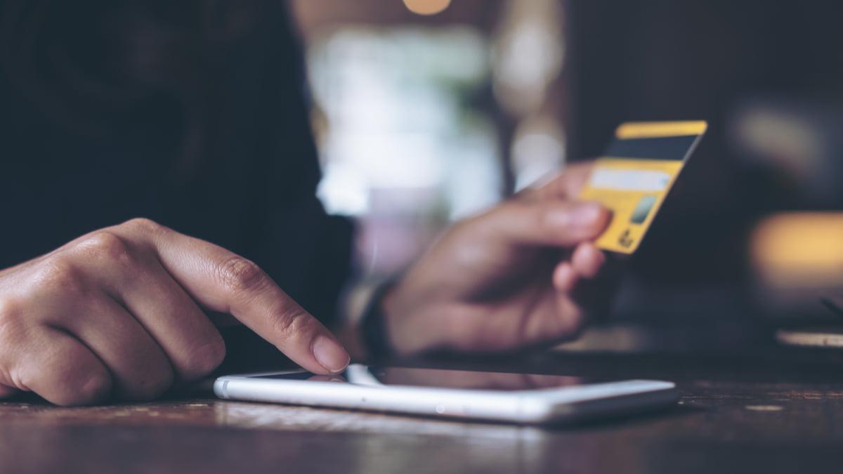 transfer bancar card