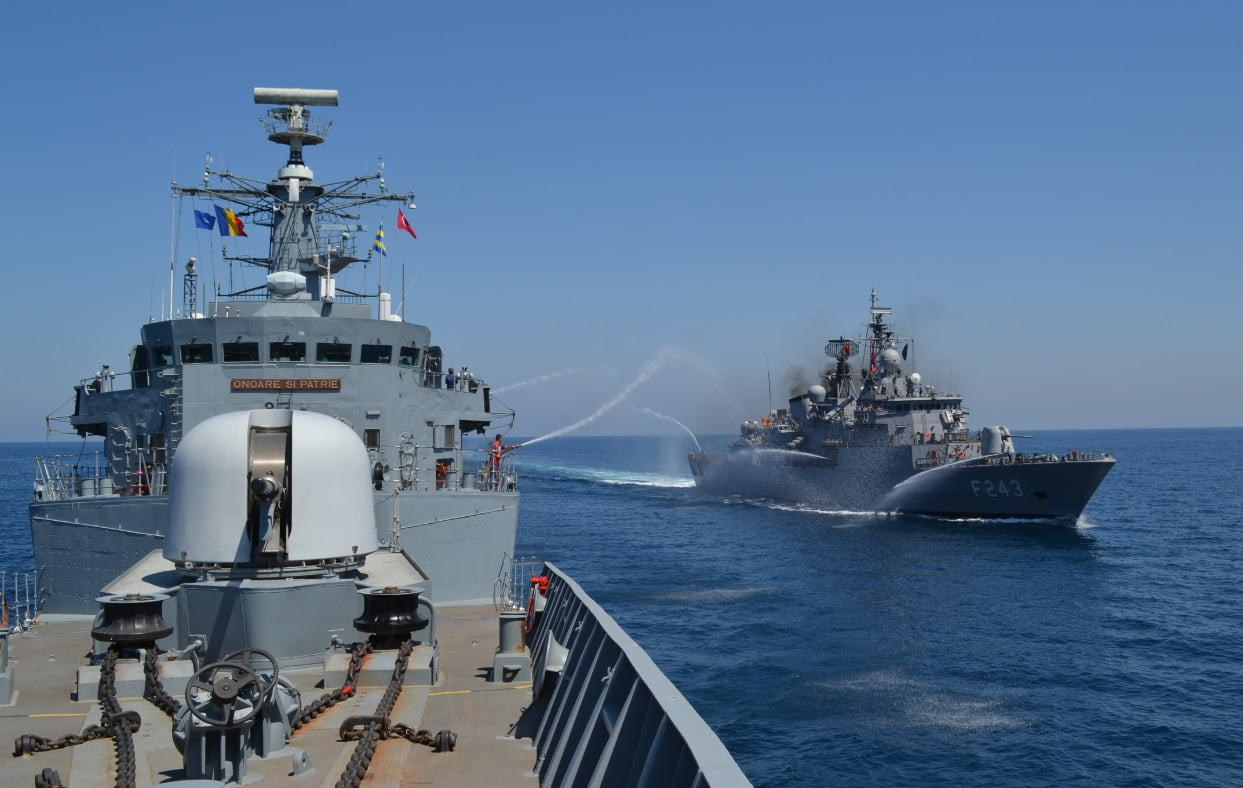 fregata naval 2
