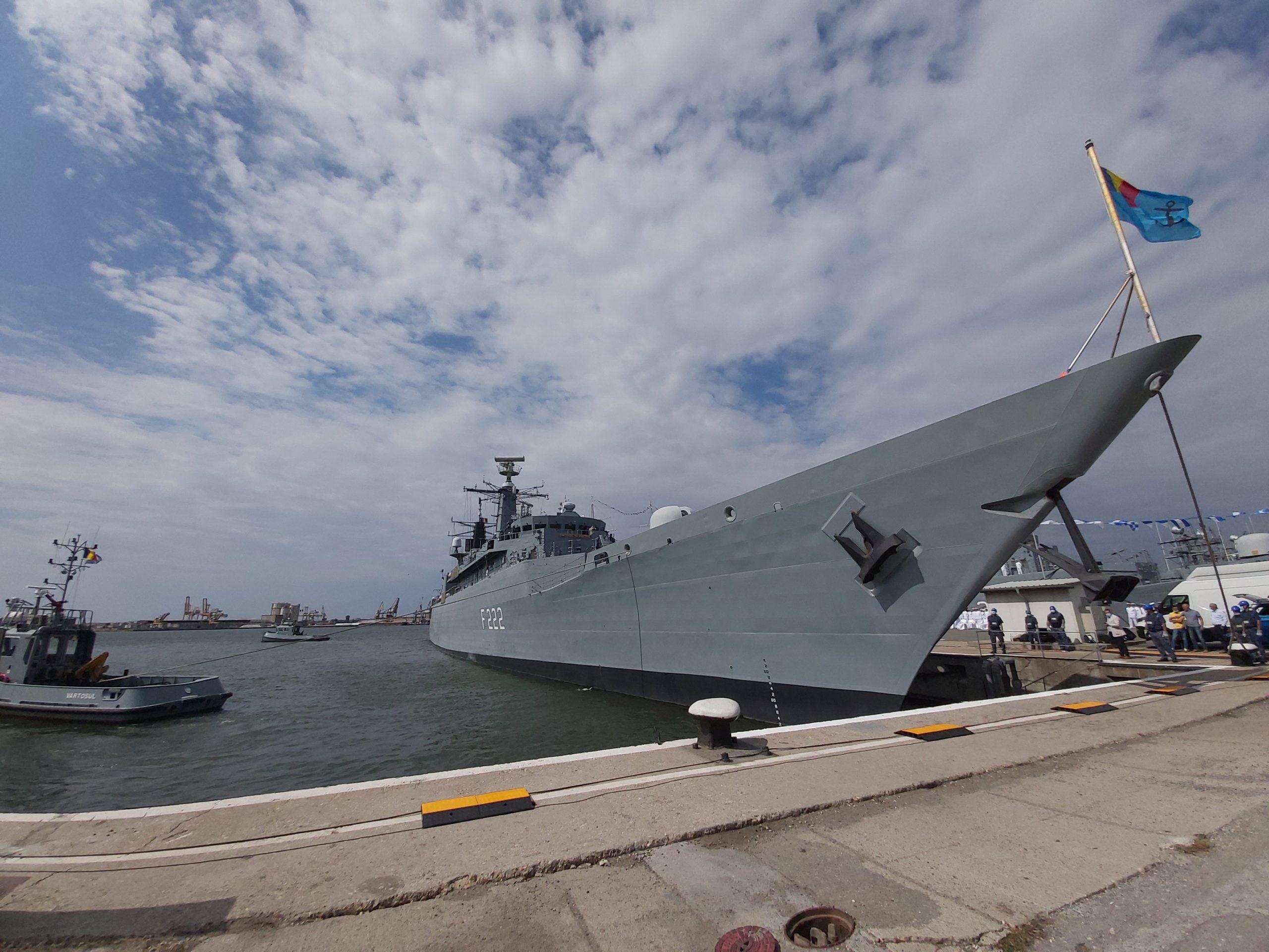 fregata port naval 1 scaled