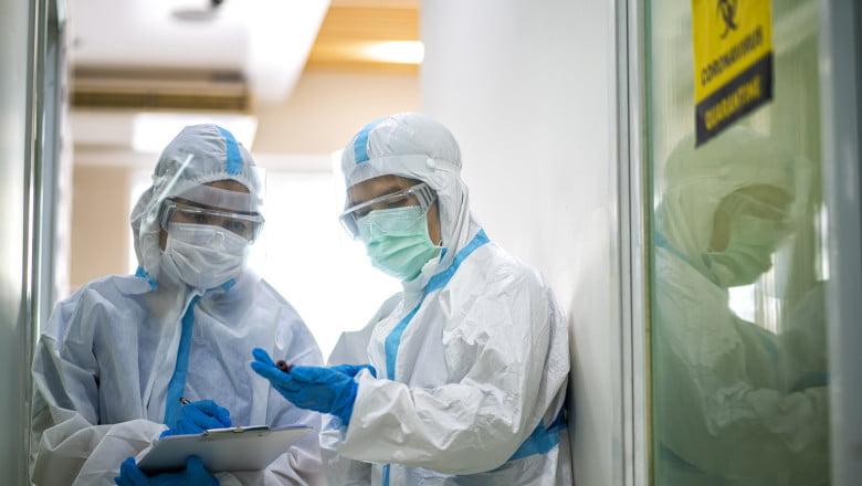 coronavirus spital medici doctori