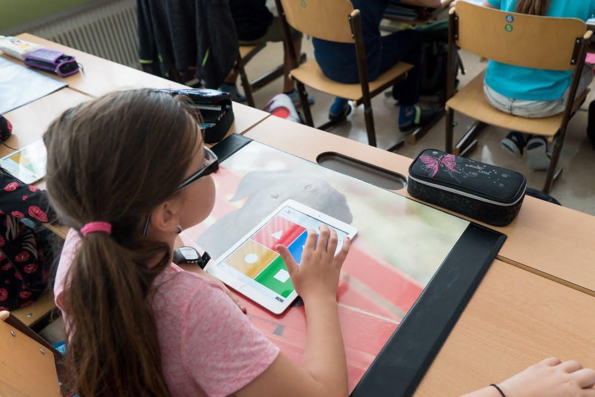 tablete scoli elevi scoala
