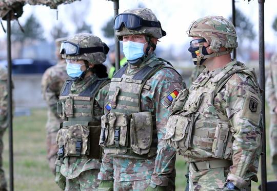 armata militari soldati