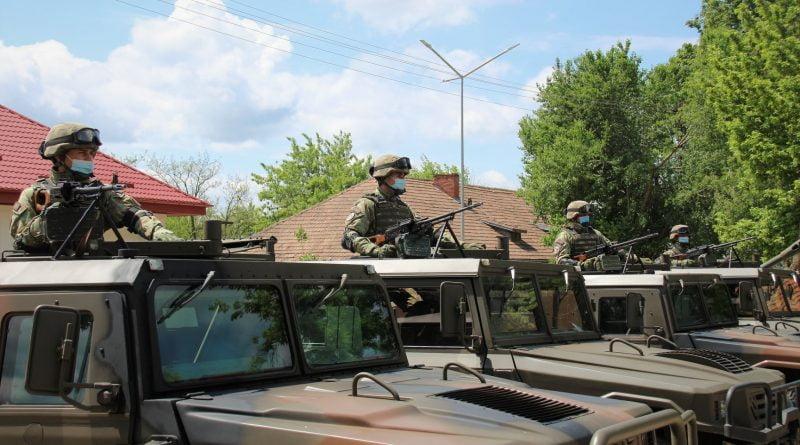 armata milidari soldati