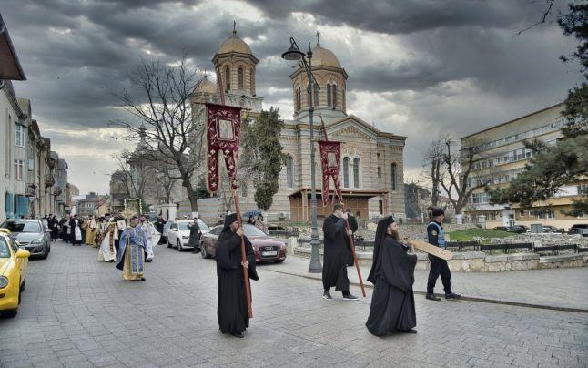 procesiune arhiepiscopie