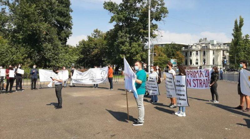 protest aec elevi 2